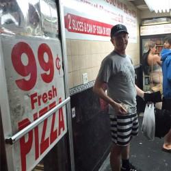 An jeder Ecke Pizza - die teuerste in New York kostet übrigens 1000 Dollar