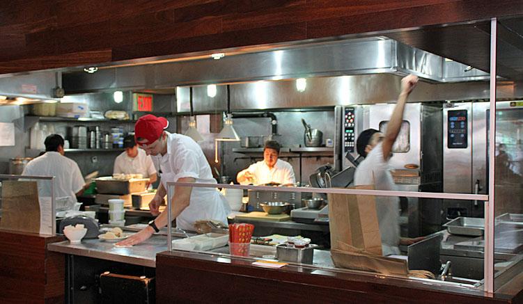 Die Küche der Momofuko Ssäm Bar