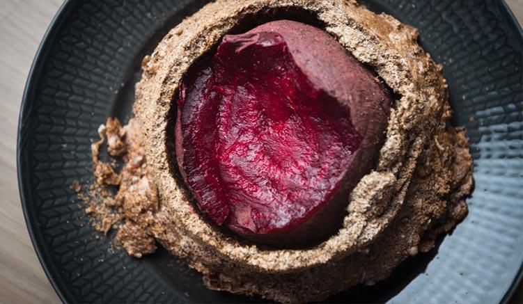 Salt and Söl Baked Beet Root - in Salz gebackene Rote Bete