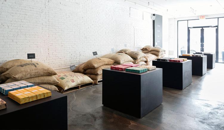 Kakaobohnen und Schokolade - Shop und Fabrik in einem