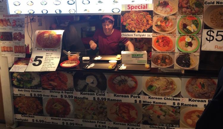 Suppe, Ramen oder BBQ? In der Food Gallery 52 findet man alles